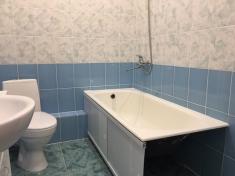 В ванной комнате установлена вся сантехника, выполнена разводка под стиральную машину