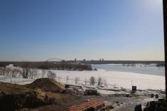 Вид из окна строящейся секции 12 в сторону Бугринского моста