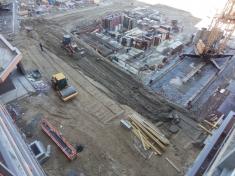 Отсыпка территории у секции 11 и 12 со стороны Октябрьского моста