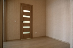 Справа от входа можно установить еще один большой шкаф-купе или систему хранения