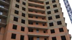 В 15 секции монтируют монолитный каркас 17 этажа